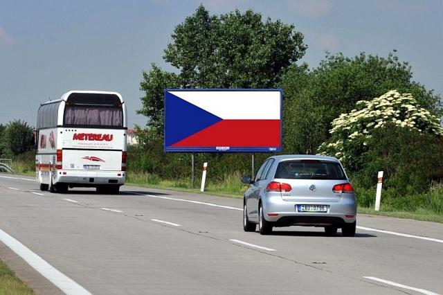 Česká vlajka na billboardech má zabránit jejich odstranění