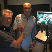 Pierce Brosnan a producent Aldabry Petr Keller