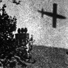 Střela s plochou dráhou letu V-1 v roce 1944 nad Londýnem