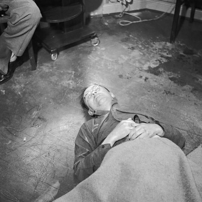 Heinrich Himmler těsně po smrti.