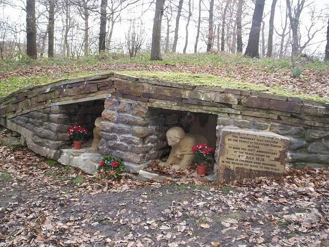 V místě dávné tragédie je dnes památník