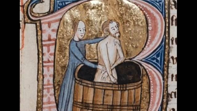 Navzdory náboženské doktríně se lidé ve středověku koupali.