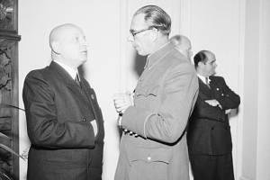 Protektorátní ministr osvěty Emanuel Moravec a generál Andrej A. Vlasov