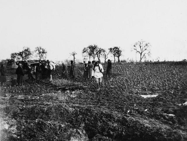 Válka a neúroda způsobily hlad a podvýživu.