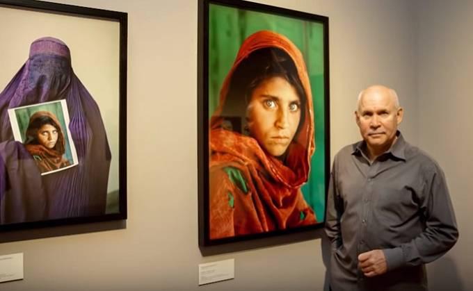Fotograf Steve McCurry na své výstavě