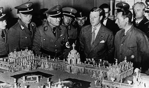 Bývalý anglický král při studijní cestě po Německu vroce 1937