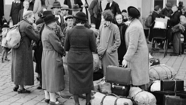 Češi donucení vyklidit v říjnu 1938 Sudety