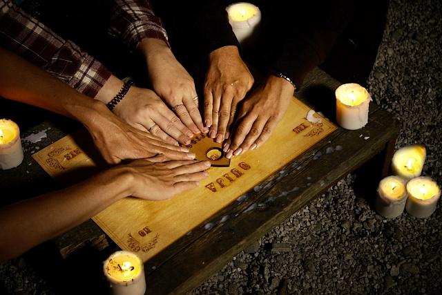ROzvoj spiritualismu ssebou přinesl idokonalejší verze tabullky