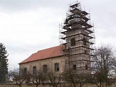 Kostel sv. Petra a Pavla v Soběnicích na Litoměřicku (v rekonstrukci)