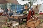 Ve středověku plnily chudé ženy především roli služky.
