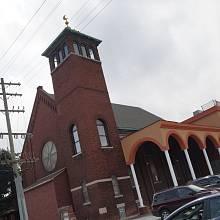 Mešita v Detroitu je vybudována z bývalého kostela.