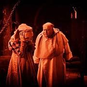 Inkvizitoři obviněnému pořád dokola pokládali stejnou otázku, dokud nezešílel.