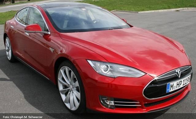 Tesla Model S. Nejluxusnější e-auto. Dotace se na něj v Německu nevztahuje.