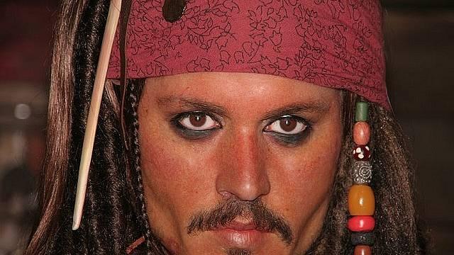 Kapitán Jack Sparrow je pravděpodobně nejznámějším fiktivním pirátem