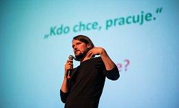 Pavel Dombrovský prezentuje manažerům trendy v zaměstnanosti