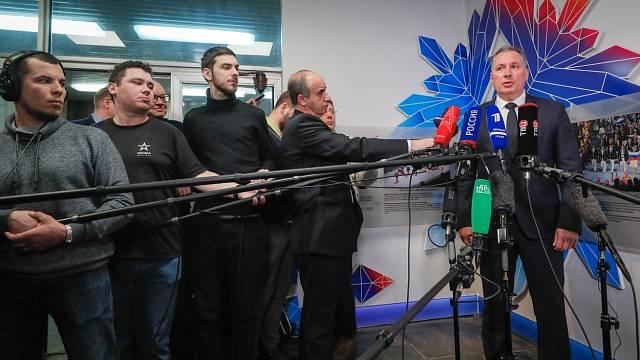 Jeden z největších dopingových skandálů loňského roku byl odhalen v Rusku. Prezident Ruského olympijského týmu Stanislav Pozdnyakov pod palbou médií poté, co byl ruský tým atletů vyloučen mj. z účasti na OH v Japonsku, jež nakonec neproběhly.