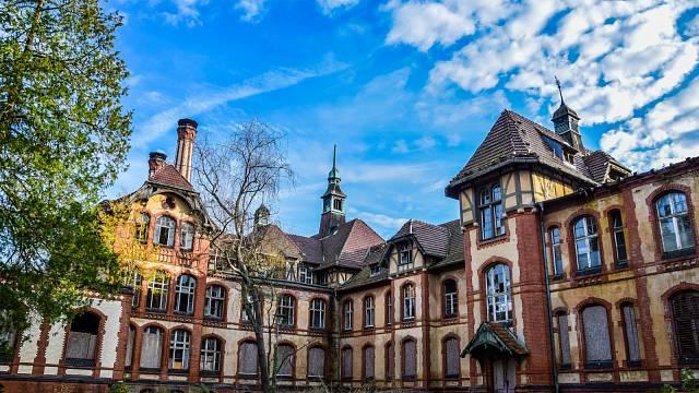 Výstavba nemocnice trvala od roku 1898 až do roku 1930. Dnes je zde jen ruina
