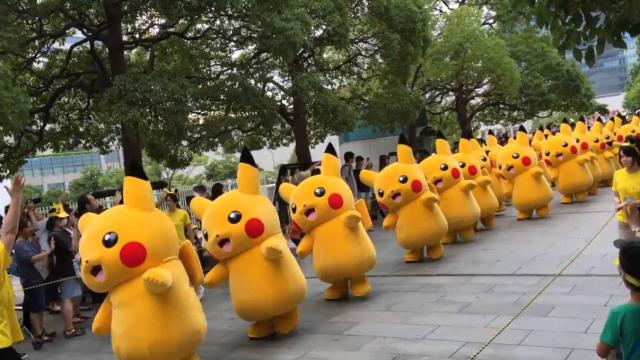 Pikachu. Zřejmě nejznámější postavička ze série Pokémonů.