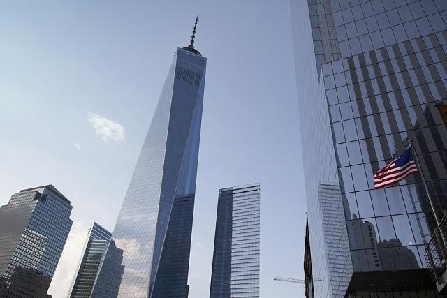 Na místě zhroucených dvojčat WTC vyrostala Věž svobody. Je označovaná jako nejbezpečnější mrakodrap ve Spojených státech.