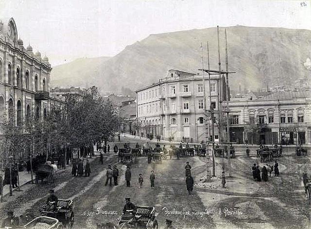 Náměstí vTbilisi, kde loupež proběhla