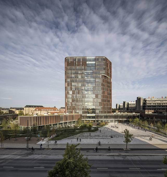 ZDRAVÍ PŘEDEVŠÍM. Z této zásady vycházeli architekti The Maersk Tower, která je novou budovou kodaňské univerzity.