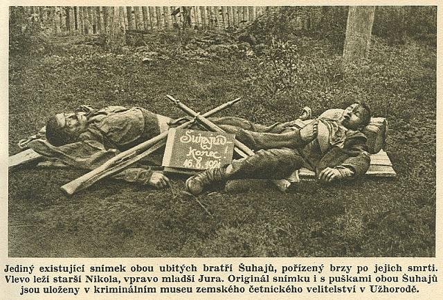 Fotografie zavražděného Nikoly Šuhaje a jeho bratra