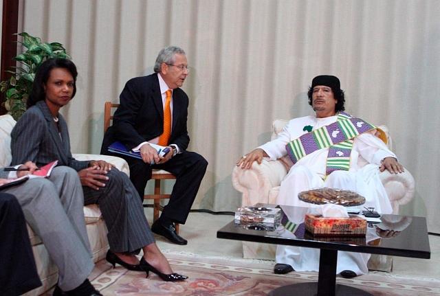 Muammar Kaddáfí při oficiálním setkání sCondoleezou Rice