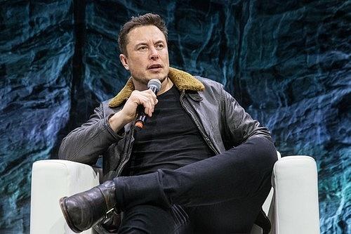 """Jednou zmožností, jak vesmír zničit, je například zkoumání """"simulační teorie"""", jež navrhuje miliardář Elon Musk."""