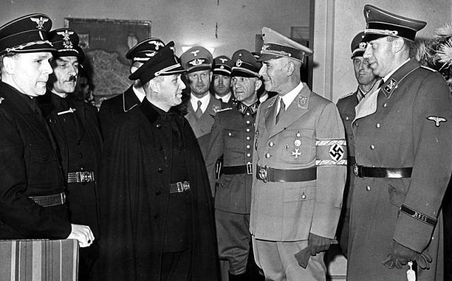 Alexander Mach (vlevo) při schůzce snacistickým ministrem vnitra Wilhelmem Frickem