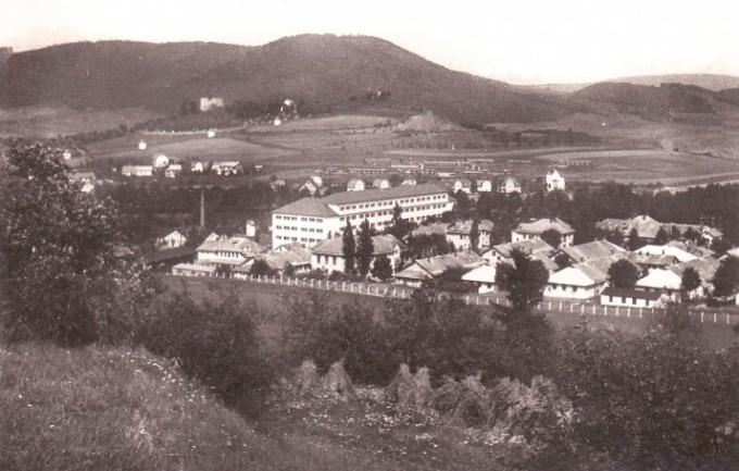 Odtud šly vězeňkyně. V zimě 1943 pochodovaly z Moravské Třebové až do Dětřichova