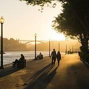 Promenáda o něco dále po proudu řeky Douro