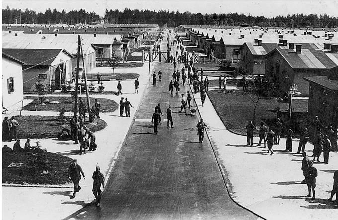 Tábor sousedící se Stalagem Luft III