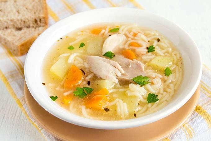 Některé metody opravdu pomáhaly jako podpůrná léčba - příkladem byla kuřecí polévka.
