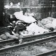 Povraždění zajatci na Masarykově nádraží