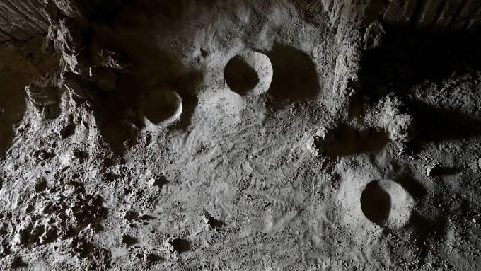 Model odvrácené strany Měsíce