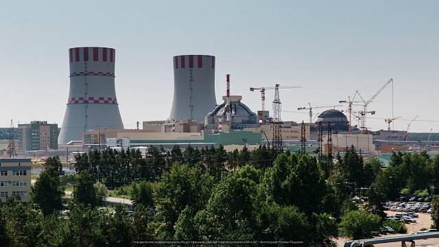 Pohled na spouštěný 6. a rozestavěný 7. blok Novovoroněžské jaderné elektrárny.