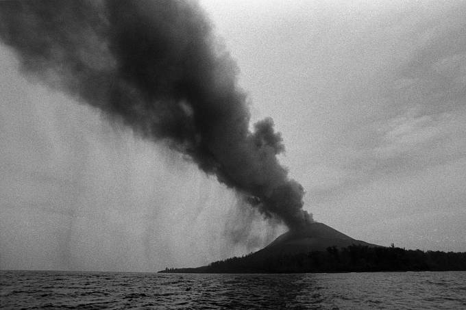 vulkán Krakatoa, r. 1883