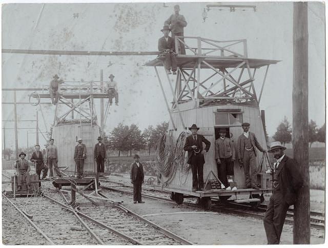 Stavba Křižíkovy elektrické železnice mezi Táborem a Bechyní vroce 1903