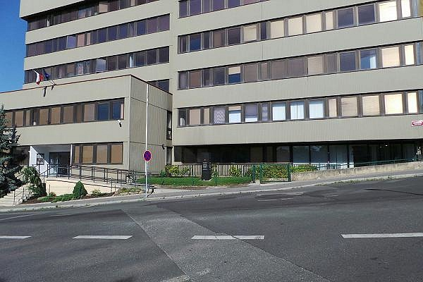Sídlo Ústavu pro studium totalitních režimů na pražském Žižkově.
