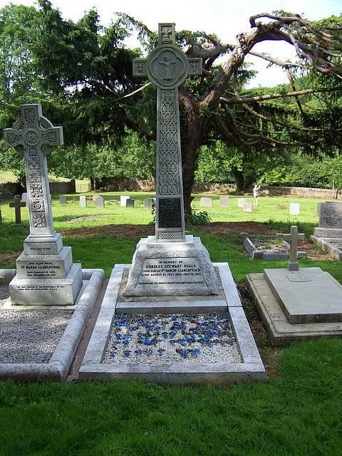 hrob Charlese Rollse v Monmouthu