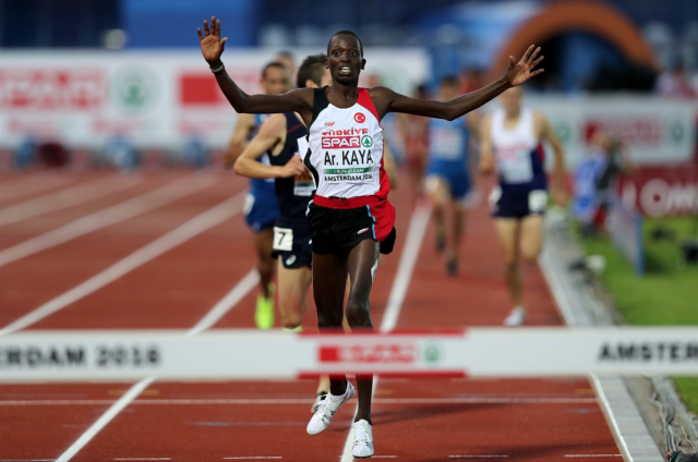 Dnes turecký, původně keňský běžec Aras Kaya