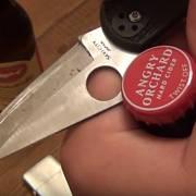 Když otvírat pivo nožem, tak zásadně tupou stranou.