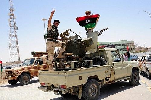 Začátek civilní války Muammara Kaddáfího.