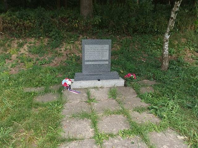 Památník upomínající na tábor