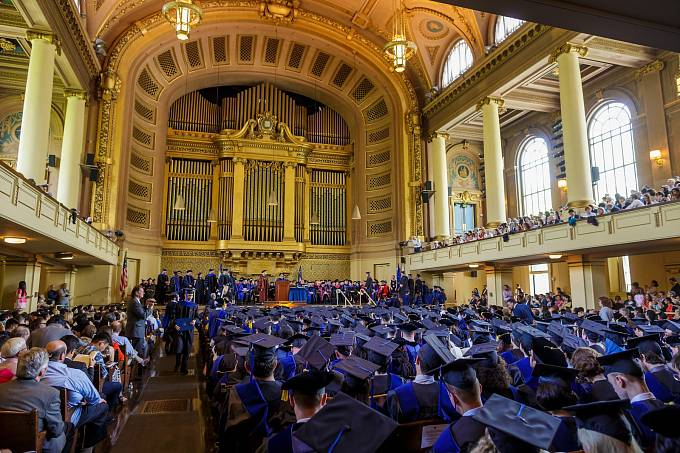 Studenti z Yale jsou na svou univerzitu náležitě hrdí a umí to dát najevo