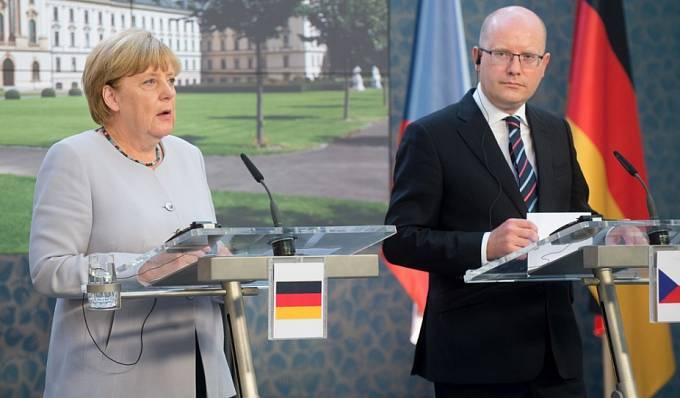 Merkelová a Sobotka v Praze, duben 2016