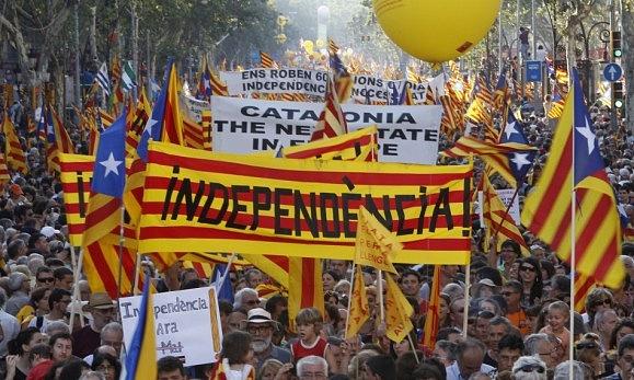 Jestliže koncem 30.let Španělskem otřásala občanská válka frankistů a republikánů, dnes je nebezpečím hlavně katalánský separatismus.