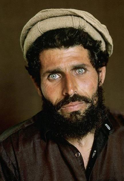 Bratr Šarbat má stejně uhrančivé oči
