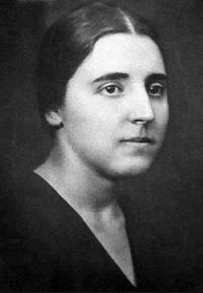 Naděžda Allilujeva poznala Stalina, když jí bylo 16 let a jemu téměř 40.
