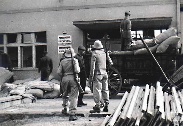 Povstalci v Dolních Chabrech